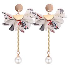 韩版个性优雅花朵珍珠长款耳钉(白色)